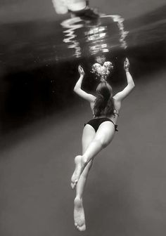 beaches, hippie, art photography, water photography, bubbles, at the beach, underwat photograph, lost heart, black