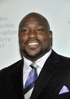 Warren Sapp files for bankruptcy. Seven-time Pro Bowler and NFL Network analyst Warren Sapp filed for bankruptcy in south Florida.