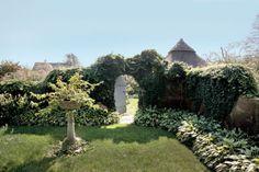 Grey Gardens Redux Image Gallery - Hamptons Cottages & Gardens - June 2012 - Hamptons