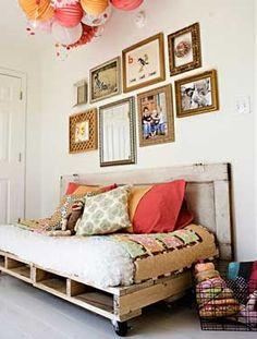 Cute day bed idea.
