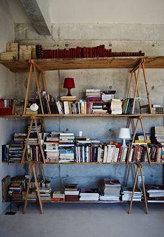 impromptu bookshelf.