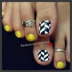 Neon Chevron Toe nail art by khyatiB from Nail Art Gallery