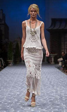What a lovely outfit maxi dresses, fashion, crochet dresses, maxis, runway, outfit, crochet skirts, crochet top, odd molli