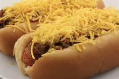 Tyler Florence - Chili Dogs