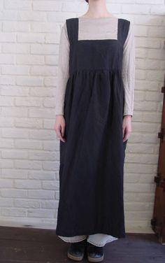 Sewing pattern: Cross-back apron dress
