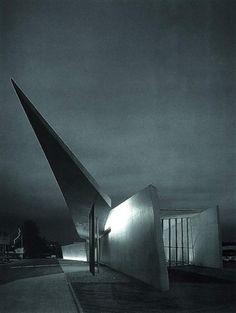 Zaha Hadid Vitra Fire Station, Switzerland, 1994
