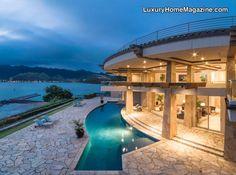 Spectacular oceanfront property in Hawaii