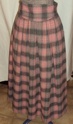 1980s Vintage Pink & Gray Plaid Pleated Wool by outoftheattic2u