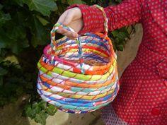lucki ladybird, plastic bags, ladybird craft, grocery bags, beauti basket, bag basket, baskets, craft blogs, crafts