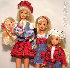 Barbie and sisters -1995 Barbie Skipper Kelly Stacie Travelin Sisters giftset by Nadine Gomes, via Flickr, I didnt realize that Barbie has 4 sisters