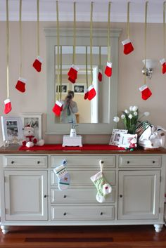 christmas decorations decorating ideas (hang in the front window?)