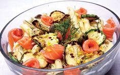 Salada de verão: com massa e salmão