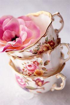 vintage teacups, tea parti, tea time, tea sets, floral patterns