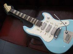 music, bizarr guitar, hofner galaxy, hofner galaxi, modern guitar