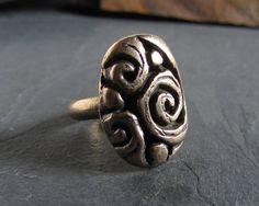 SALE  Organic scrolls statement ring in bronze por ferosferio, $20.00