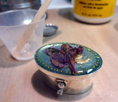 Resin Crafts: Drying Flowers For Jewelry Resin Projects