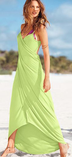 beach wrap maxi dress http://rstyle.me/n/hvgydr9te