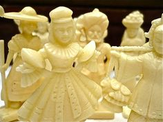 Figurines, Vintage Pseudo-Ivory x 11 - 1950s Faux-Ivory Figurines, Cream Plastic - Miniature Figures, Game, 1950s