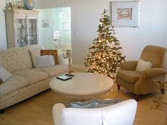 Christmas living room.  www.hollyabston.com