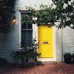 Yellow door | VSCO Grid | billycress