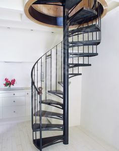 escalier on pinterest spiral staircases spirals and stairs. Black Bedroom Furniture Sets. Home Design Ideas