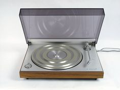 BANG & OLUFSEN, BEOGRAM 3000 TYPE 5231 TURNTABLE: oldie but goodie, on etsy!