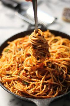 Simple Spaghetti Fra Diavolo