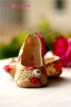 Baby girl shoes - Pearl - handmade soft fabric