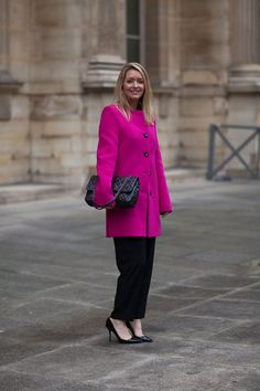 Paris Street Style Fall 2013 - Paris Fashion Week Style Fall 2013 - Harper's BAZAAR chanel bag, chanel handbags, paris fashion, cloth, designer handbags, colors, street style, fashion desir, coats