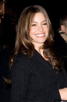 Sofia Vergaras wavy, long hairstyle