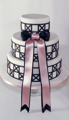 Black, white a pink wedding cake