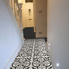 Carreaux by allut on pinterest cement tiles tile and tiled floors - Carrelage mural noir et blanc ...