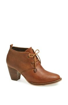 Great vintage lace-up bootie from Steve Madden.