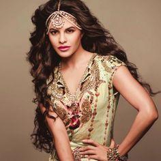 @Asli_Jacqueline Fernandez Rocks in @JaipurGems http://www.pinterest.com/Jaipurgems/ Matha Patti + @FishFryManish Arora #Kurti