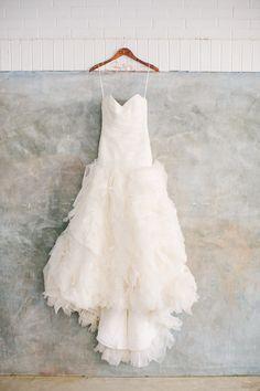 Amsale #weddingdress - photo by Haley Sheffield - http://ruffledblog.com/modern-chic-atlanta-wedding/