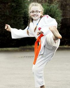 Dyman review, Paralympic judo dream for young Blackburn fighter - A YOUNG judo fighter who dreams of competing in the Paralympics has been hailed an 'inspiration' by a leading blind charity.  Caitlin Leigh, who has glaucoma and is registered blind, competes against fully-sighted youngsters and recently scored her first victory.