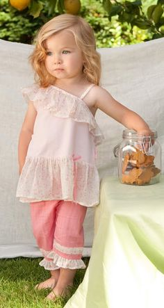 Le Top Toddler Clothes- love her hair too :)