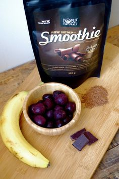 Black Forest Cake Protein Smoothie (vegan & gluten free) & A Giveaway!!