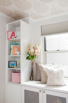 Love the use of accessories in this nursery. #nursery