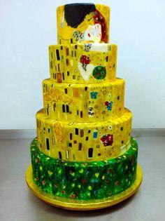 The Kiss Wedding Cake