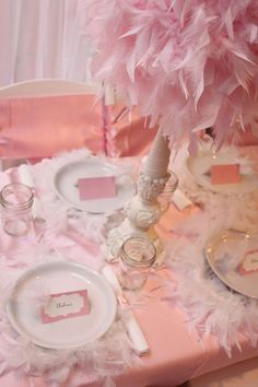 Feather pink place setting