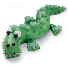 Crocodile Cake-- Will need this in December if Eva keeps up with the Crocodile enthusiasm!