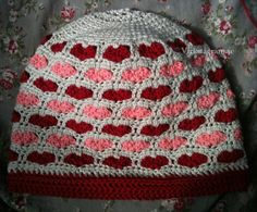 Heart beanie pattern. Swedish description and diagram.