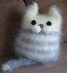 Decorative Pillow - Soft Cat -Throw Pillow - Cushion - Hand knitted cushion. This is adorable