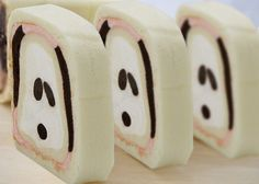 snoopy roll cake