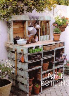 potting table. I need to put my husband to work!