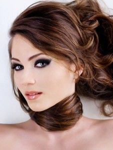 light brown hair with caramel highlights darkbrown 226x300 dark brown hair caramel highlights