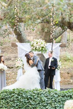 Photography: Koman Photography - komanphotography.com  Read More: http://www.stylemepretty.com/little-black-book-blog/2014/09/19/shabby-chic-calamigos-ranch-wedding/