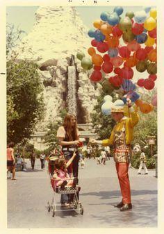 LOVE vintage Disney pics.