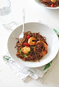 One-Pan Soba Noodles with Shrimp / Bev Cooks